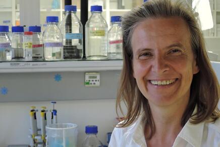 Allergieforscherin Ines Swoboda in ihrem Forschungslabor
